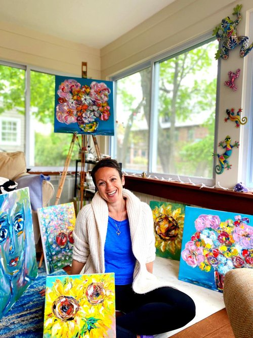 Nataly sunroom with paintings